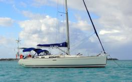 Dufour Yachts Dufour 455 Grand'Large : At anchor